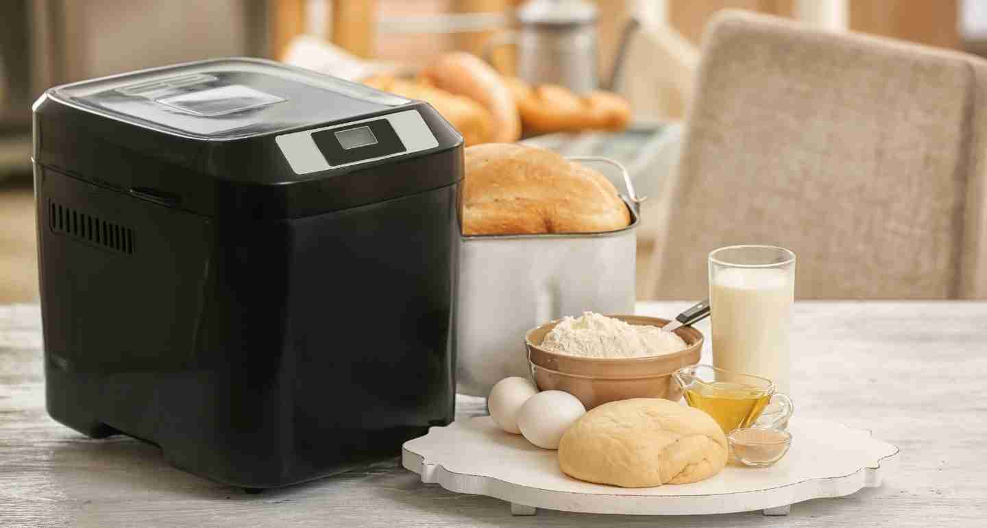 The 9 Best Bread Makers Machines of 2021 - Reviews & Buyer's Guide